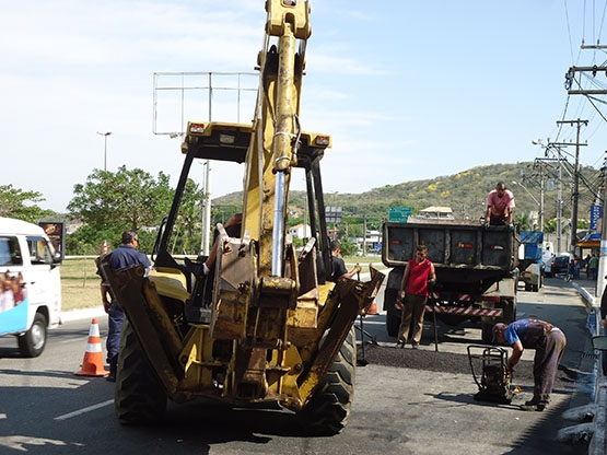 Prefeitura inicia instalação de quebra-molas na Avenida Wilson Mendes