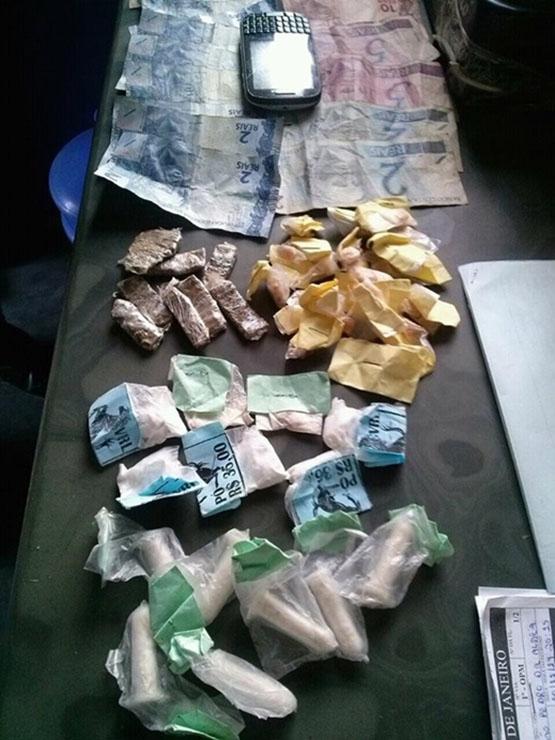 Menor é apreendido com 19 pedras de crack, cocaína, maconha e dinheiro em São Pedro
