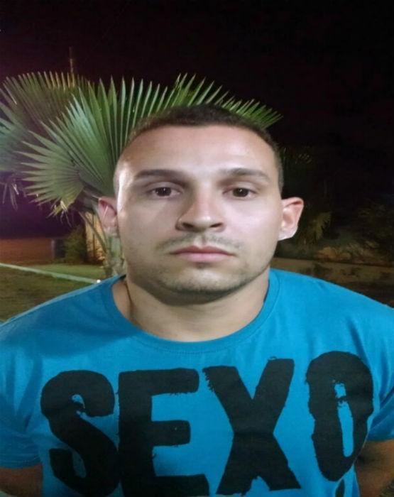 PMs encontram meio quilo de cocaína atrás de som de carro em São Pedro