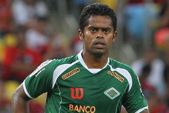 Fabrício Carvalho está de volta a Cabofriense