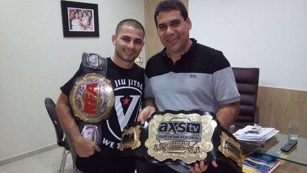 Prefeito recebe campeão Pantoja em seu gabinete