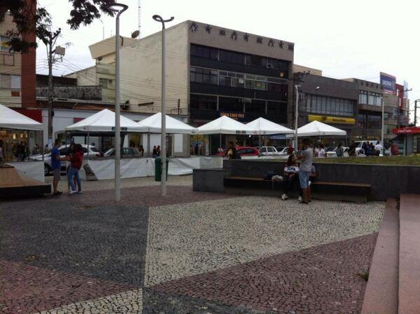 Praça Porto Rocha começa a receber estrutura para Corpus Christi