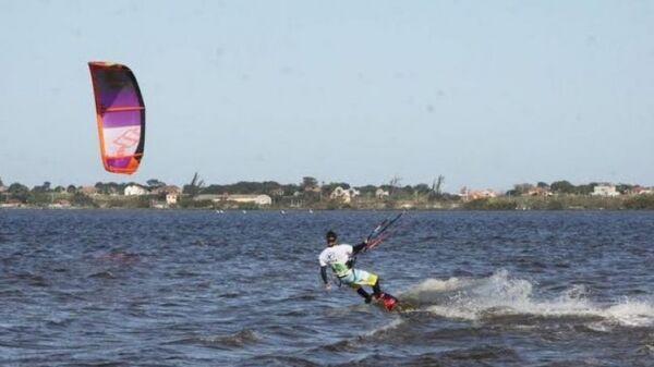 Campeonato Local de Kitesurf será realizado na Pontinha, em Araruama