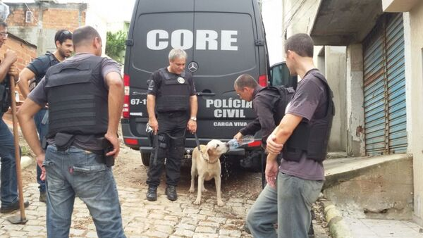 Polícia Civil faz operação contra o tráfico em Arraial do Cabo