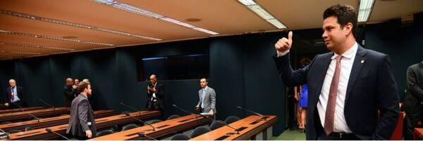 Picciani se reelege líder do PMDB na Câmara e beneficia Dilma e Marquinho