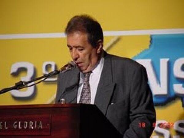 Morre, aos 75 anos, o jornalista e locutor Berto Filho