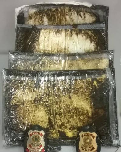 Polícia Federal prende passageira de navio com 4,5 Kg de cocaína em Búzios