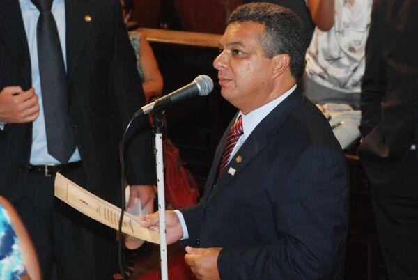 Cobrado por vereadores, Janio diz que vai tentar liberar aposentadorias
