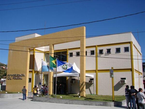 Grávida que fugiu da polícia se reapresenta na delegacia de Arraial do Cabo