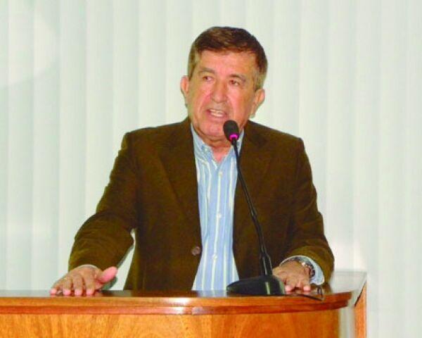 Ex-prefeito de São Pedro, Carlindo Filho está inelegível