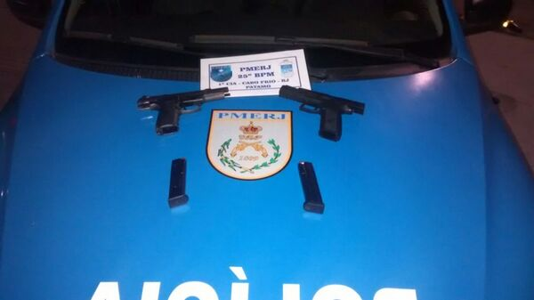 Polícia apreende armas no Cajueiro, em Cabo Frio