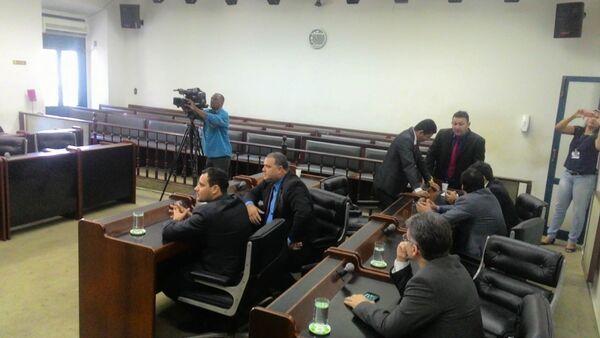 Câmara justifica sessão com portas fechadas