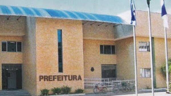 Justiça bloqueia todas as contas da Prefeitura para pagamento de servidores