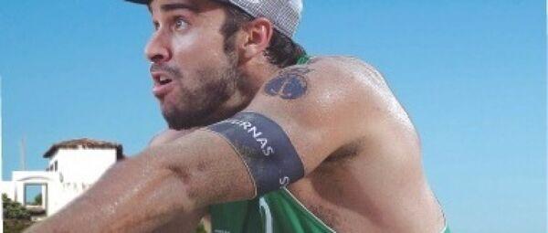 Bruno Schmidt é Cabo Frio na final olímpica do vôlei de praia