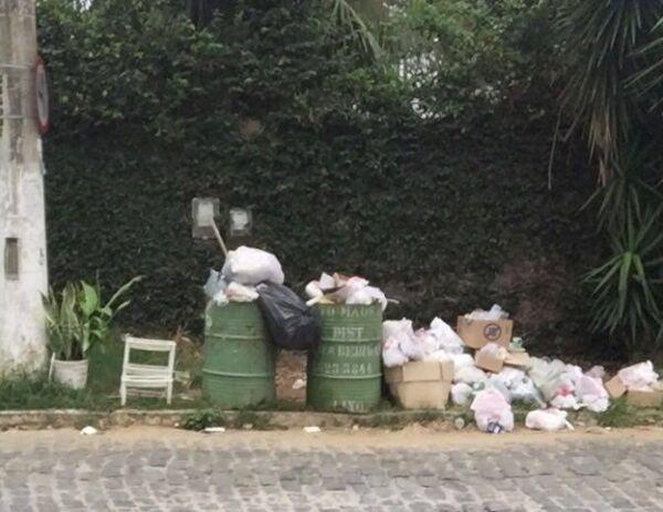 Moradores reclamam de lixo nas ruas