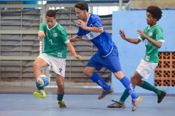 Times de Cabo Frio se classificam no Estadual de futsal de base