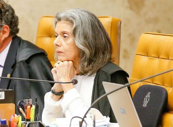 Ministra suspende ação que questiona bloqueio de contas