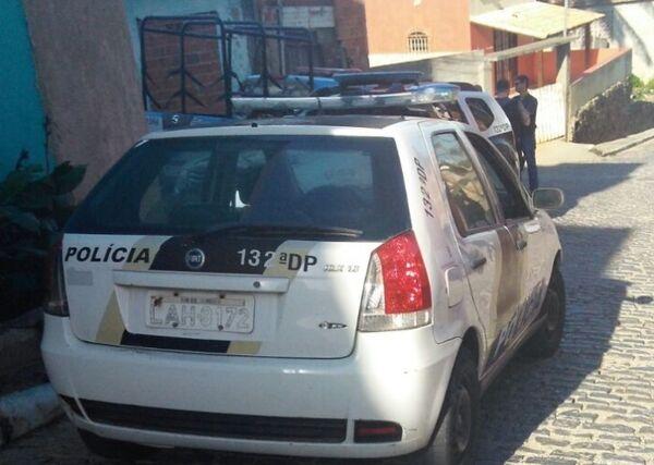 Polícia faz nova operação no Morro da Coca Cola, em Arraial