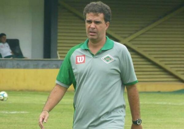 Junior Lopes deixa comando da Cabofriense