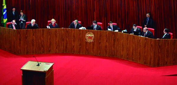 TSE pode decidir hoje se réus em ação penal podem se candidatar à presidência