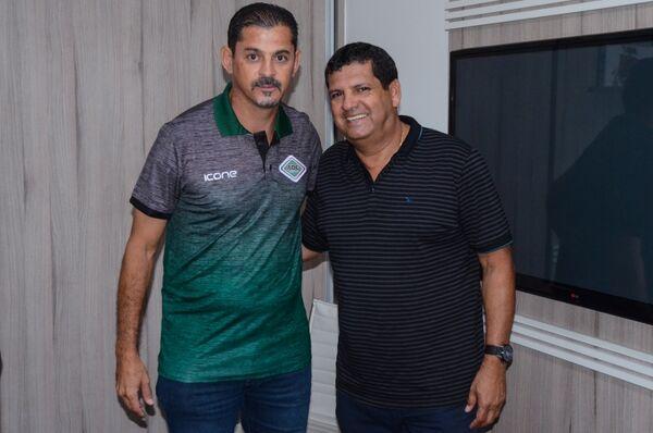 Valdir Bigode é o novo treinador da Cabofriense