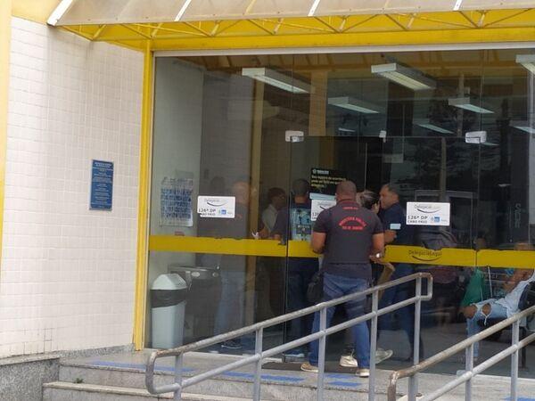 MP e Corregedoria da PM cumprem mandados de prisão de policiais do 25º Batalhão