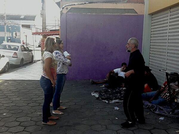 A dura (e fria) realidade nas ruas de Cabo Frio