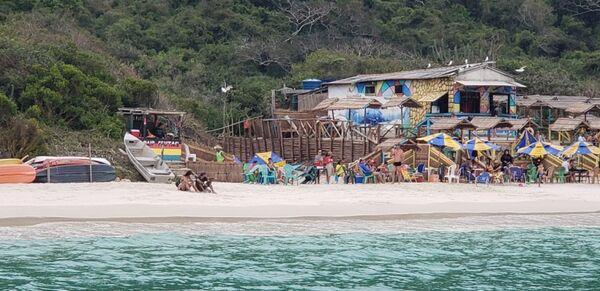 MPF exige demolição imediata de quiosques da Praia do Forno