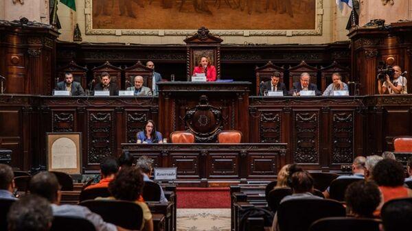 Frente parlamentar quer adiamento do julgamento de distribuição dos royalties