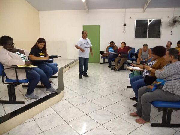Sem 13º salário, ano letivo não será fechado em Cabo Frio