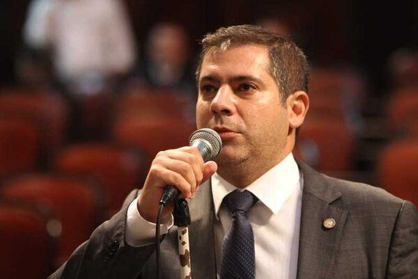Nomeação de PM no gabinete de Serginho gera polêmica