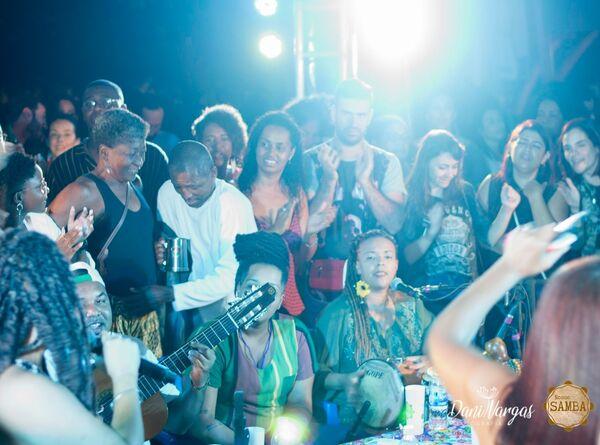 'Nosso Samba' comemora um ano com roda na Praça Gentil Gomes da Silva, em Cabo Frio