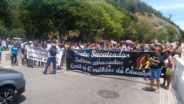 Justiça e protestos colocam governo sob pressão