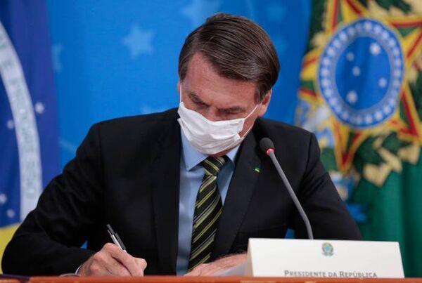 Bolsonaro edita medida provisória que permite suspensão de contrato de trabalho por 4 meses