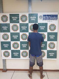 Homem com dois mandados de prisão em aberto é detido em São Pedro da Aldeia
