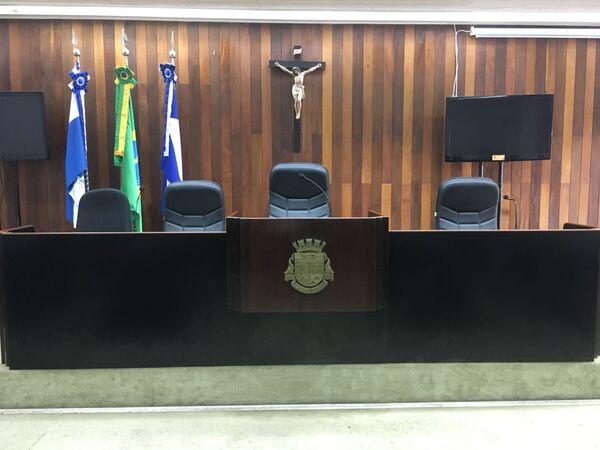 Câmara de Cabo Frio recebe sanitização interna no prédio nesta sexta (24)