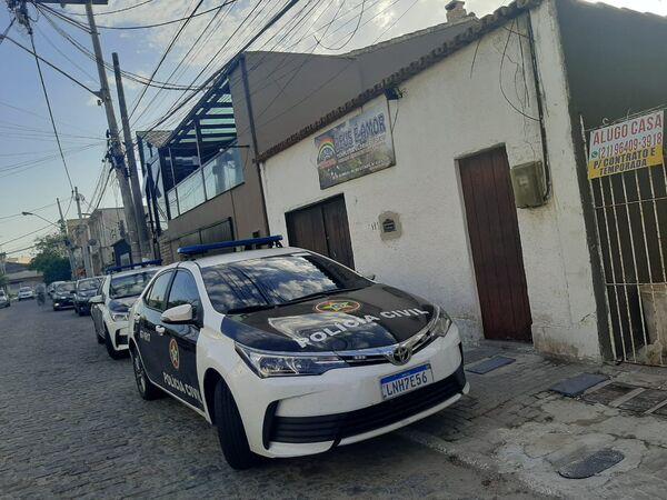Prefeito de Arraial do Cabo e demais apontados como integrantes de organização criminosa são alvos de operação do Ministério Público e Polícia Civil