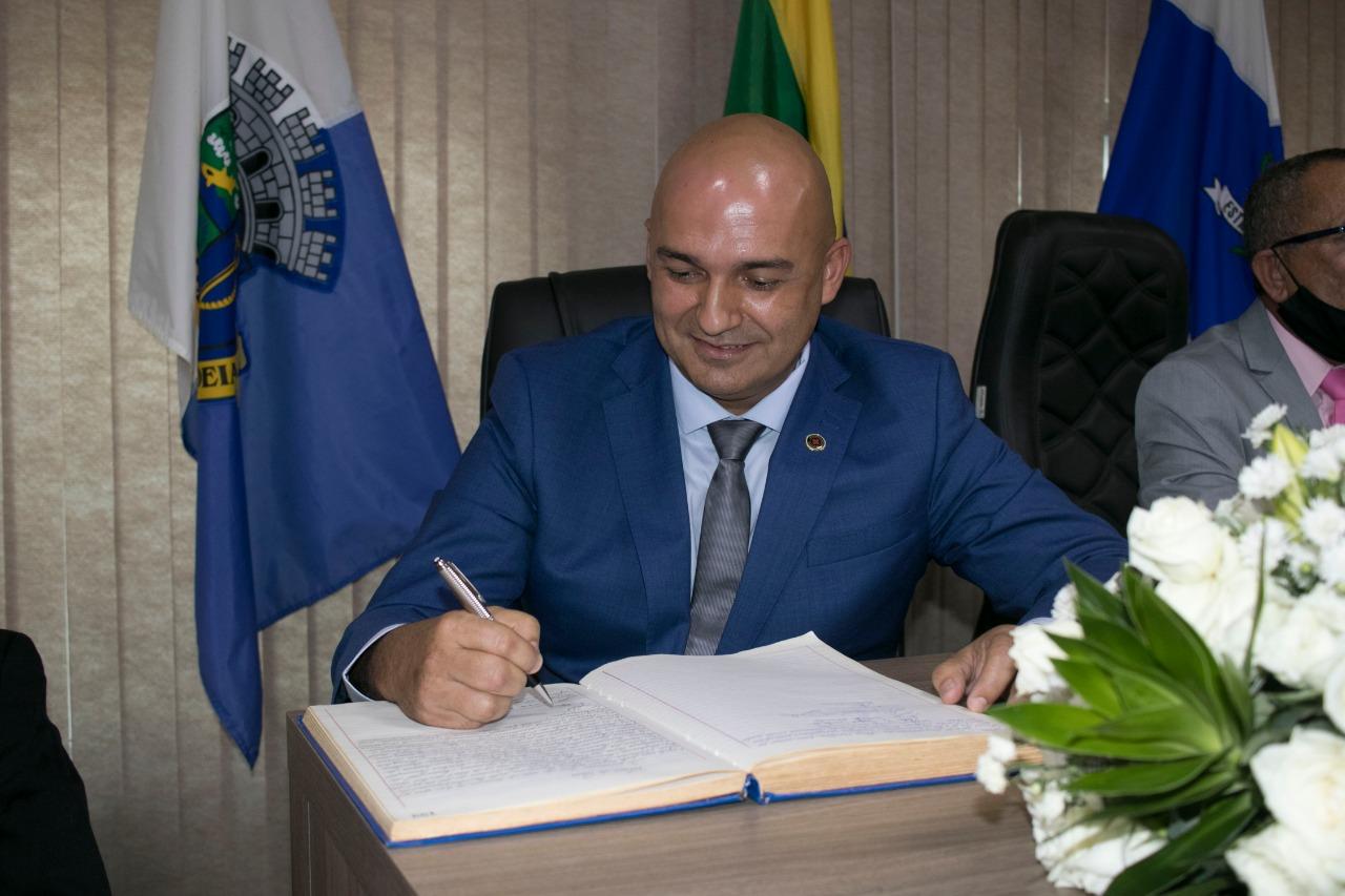Pregando união, Fábio do Pastel assume Prefeitura de São Pedro da Aldeia -  Folha dos Lagos