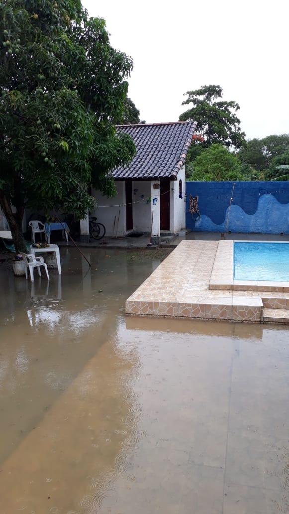 Casa de moradora foi invadida pela água após última chuva